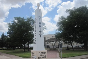 Ozark_Trail_marker_in_Dimmitt,_TX_IMG_4829